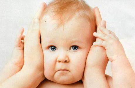 У ребенка болит ушко