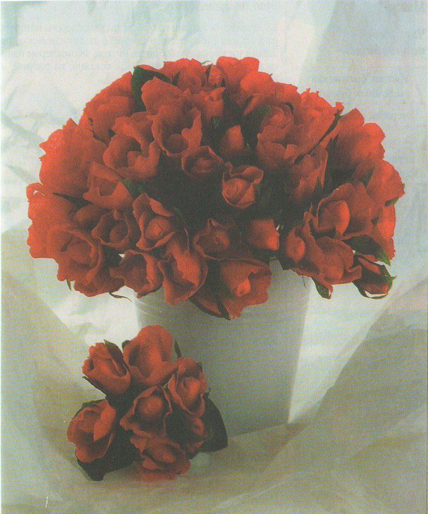 Цветы из бумаги: бутоны роз фото