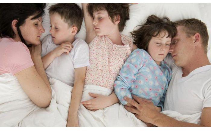 Пока отец спал сын и мать смотреть онлайн в hd 720 качестве  фотоография