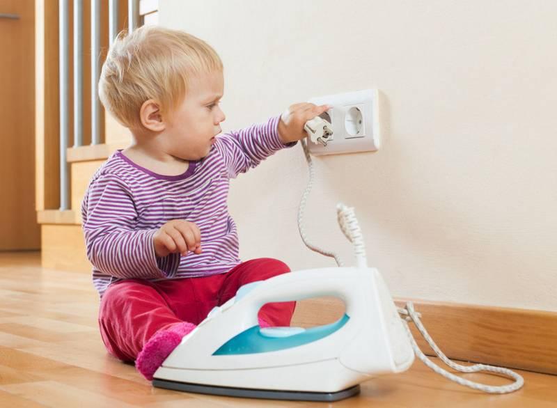 Как сделать квартиру безопасной для малыша